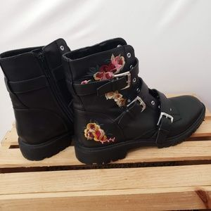 G by Guess Shoes - G by Guess Moto Boots Combat Black Flower Size 10